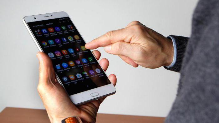 il più grande telefono touchscreen al mondo