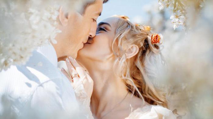 dormire la sposa in un abito da sposa