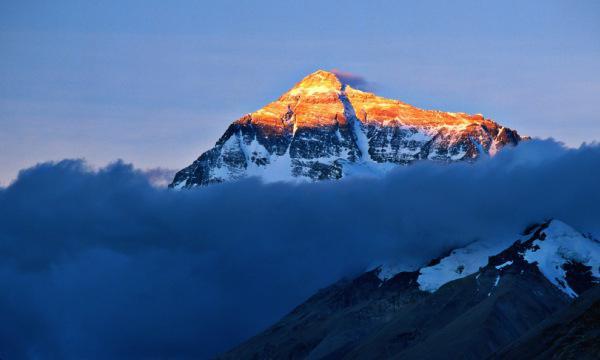 co je nejvyšší hora na světě fotografie