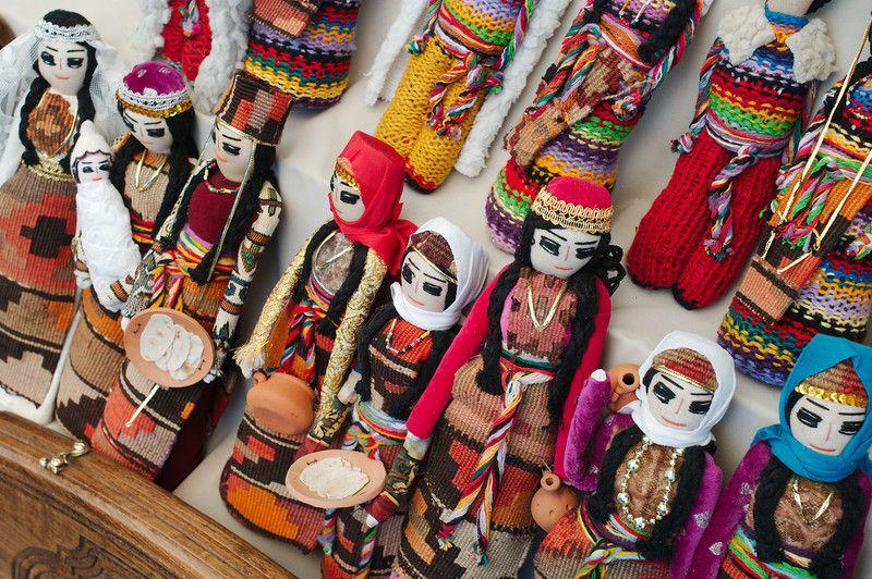 Vernissage di bambole armene