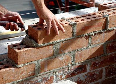 costruire una casa di mattoni