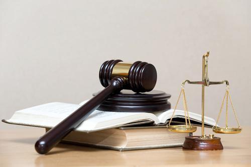 какви изпити трябва да взема за адвокат