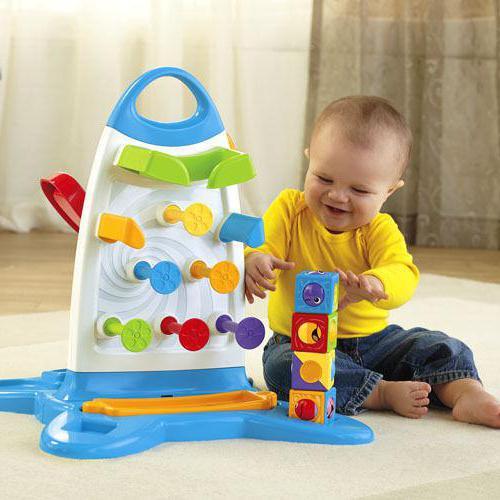 kakšne igrače potrebujejo otroci v enem letu