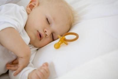 respiro affannoso nella gola del bambino