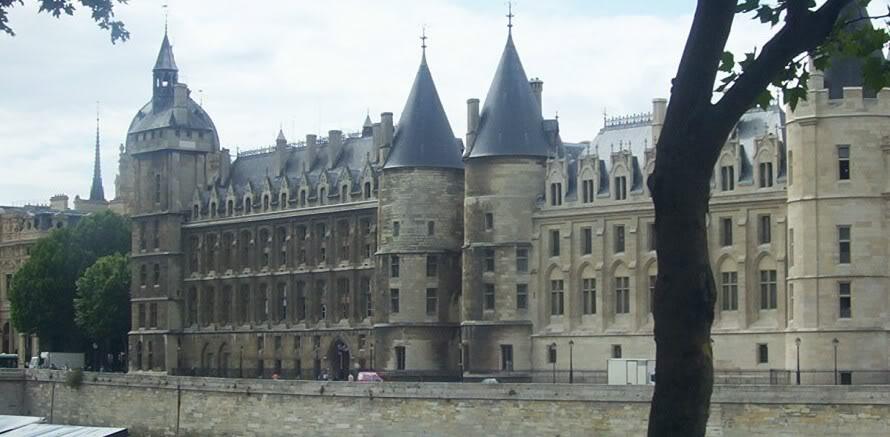 gdzie jest raster w Paryżu