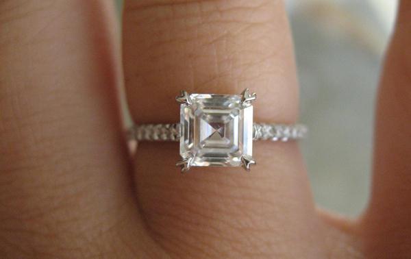 Koji prst nositi zaručnički prsten?