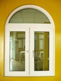 finestre con doppi vetri in legno o plastica