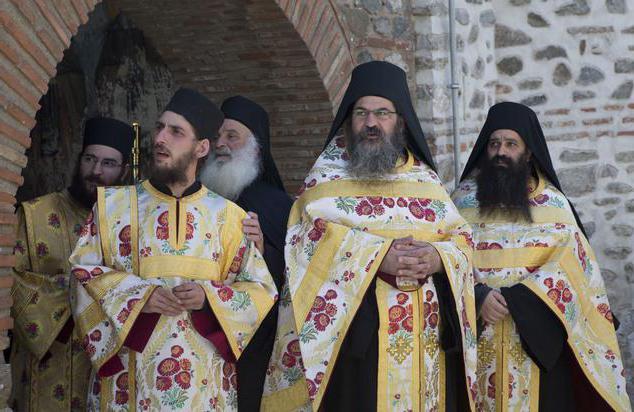 vestiti di monaci