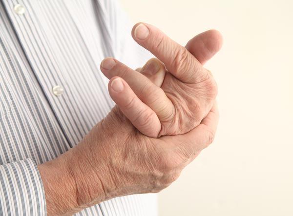 prstima ruku