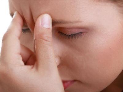 ból w przedniej części głowy