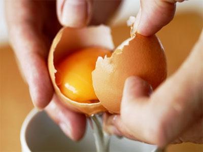 kako si umijte glavo z jajci