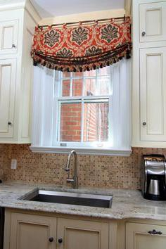 decorazione della finestra della cucina