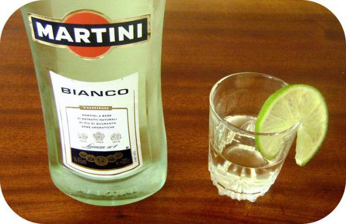 co šťávu pije martini bianco